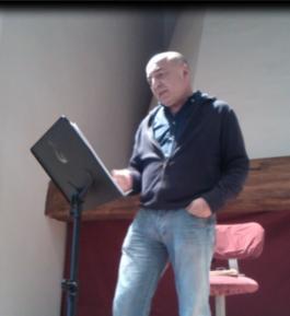 Javier GM recitando