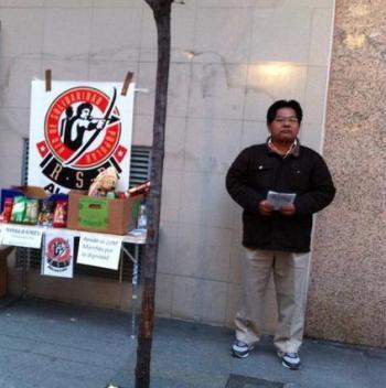 Recogida de alimentos en la calle Colón.